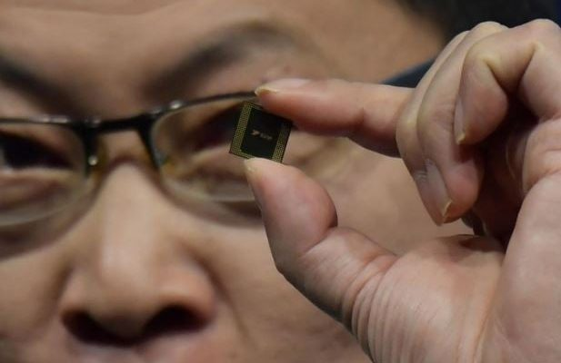 Huawei introduces the first smartphone processor with a 5G modem