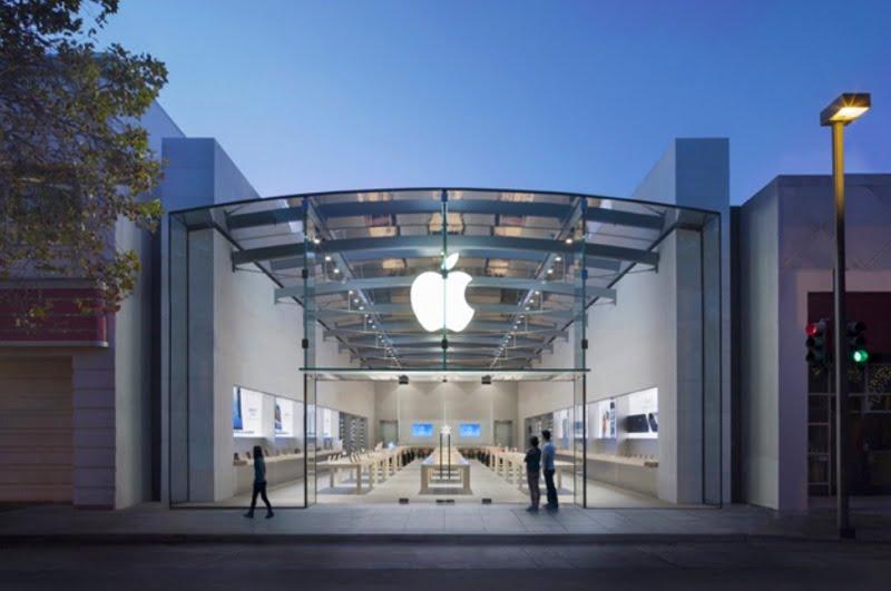 theft with split apple-store-pole-alto
