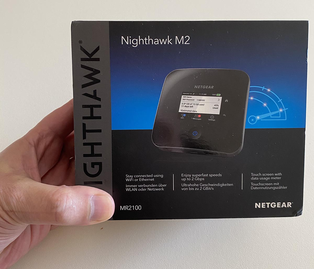 Netgear Nighthawk M2 review, mobile router with Gigabit LTE