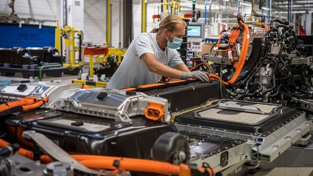 Volvo triples production capacity after a year of electrified car sales growth