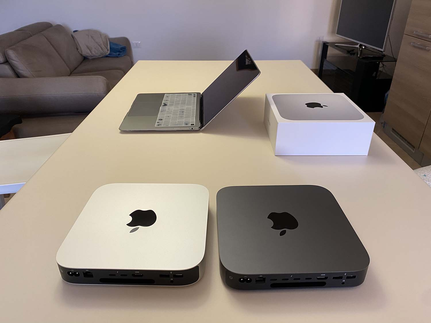 """Mac Mini 2020 review with M1 SoC: """"There's a tiger in the engine""""."""